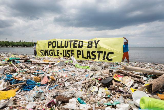 Plastic-Trash-Philippines-640x427